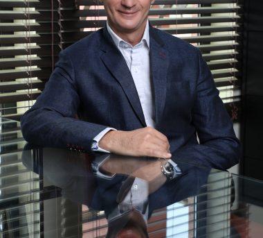 Dr Roberto Viel low res